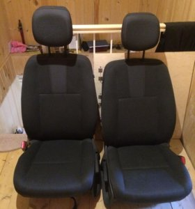 Передние сиденья Fluence