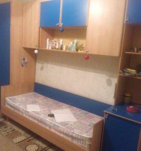 Большой и вместительный шкаф