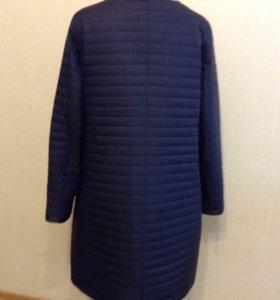 Демисезонное стеганное пальто 46 и 52 р