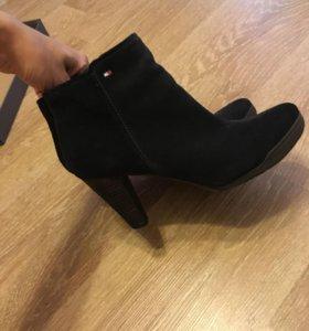 Ботинки сапоги Tommy Hilfiger
