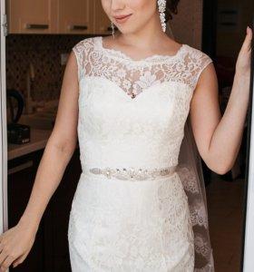 Свадебное платье из цельного гипюра