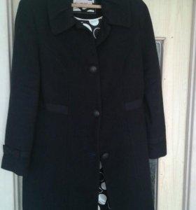 Пальто чёрное Marks Spenсer