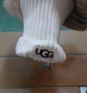 Шапка белая Ugg новая