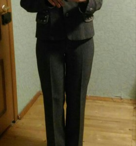 Женский костюм (тройка)