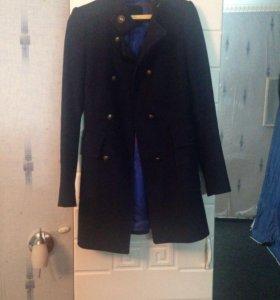 Пальто отличное на весну состояние Zara