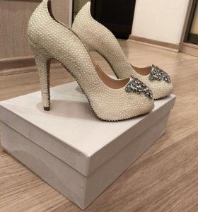 Туфли белые свадебные новые