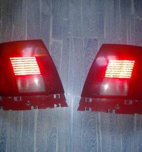 Оригинальные фары на AUDI A4 .6кузов ТОРГ!