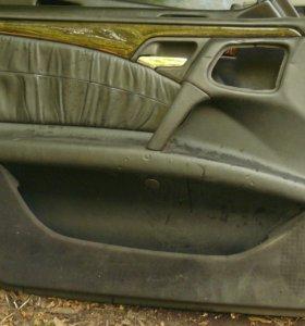 Обшивки дверей Mercedes benz w210 e class