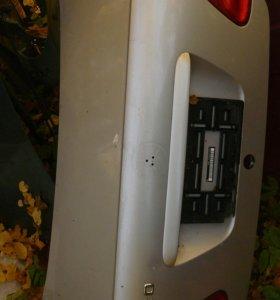 Крышка багажника Mercedes benz w208 clk