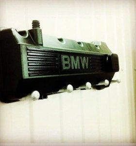 Брутальная вешалка BMW