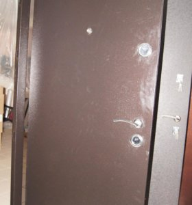 Дверь входная металл-мдф.