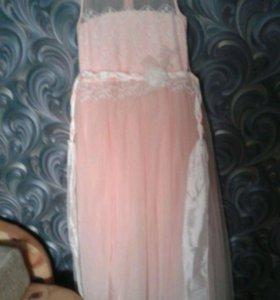 Нарядной платья