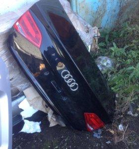 Крышка багажника Audi A4 B8