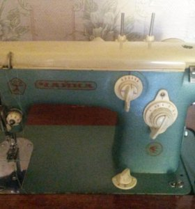 Раритетная швейная машинка Чайка.