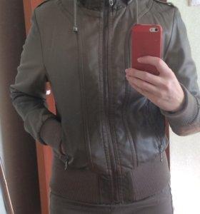 Куртка женская б/у, 42-44