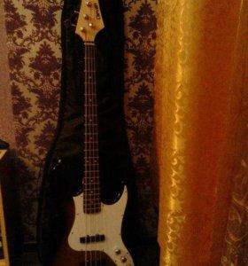 Бас-гитара Clevan с комплектом