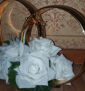 Кольца на машину с цветами. Украшение на свадьбу