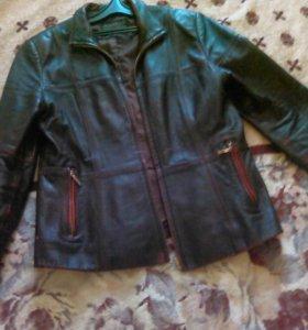 Кожаная куртка р 42-44