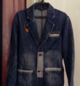 Новый джинсовый пиджак.