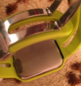 Часы- Sony smart watch 3