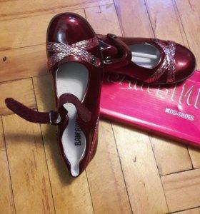 Туфли р.35 новые