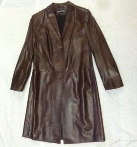 Кожаное пальто женское