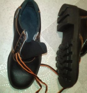Полу ботинки р 39.