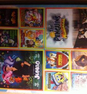 Много разных DVD дисков с детскими мультиками
