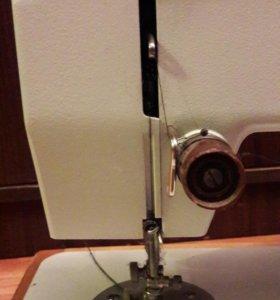 Швейная машинка Чайка 143а. Подольская.