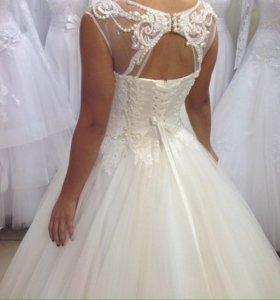 Свадебное платье размер 44