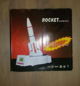 Будильник часы ракета