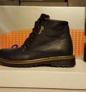 Зимние ботинки с 32 по 39 размеры.