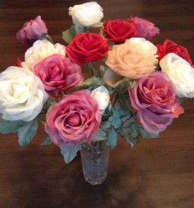 Розы из шелка