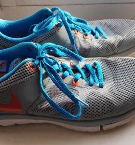 Кроссовки Nike Flex