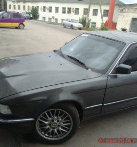 BMW E32 735