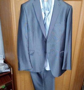 Костюм мужской,галстук рубаха в подарок