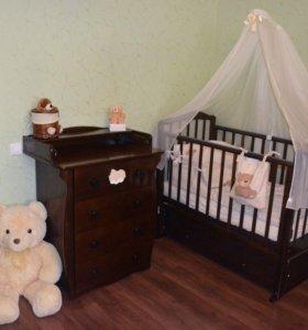 Детская кроватка и комод Можга
