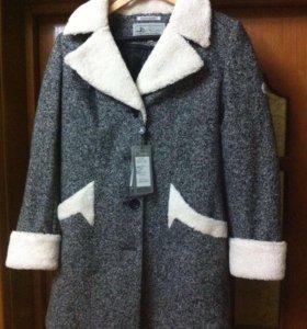 Осеннее пальто, абсолютно новое. Смотри все фото!