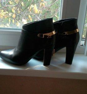 Кожаные ботинки 39 р