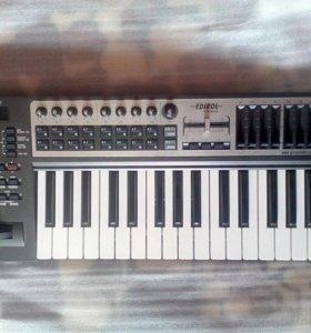 Миди клавиатура Roland Edirol PCR 300