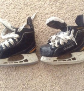 Профессиональные хоккейные коньки