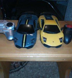 Две машины на пульте управления