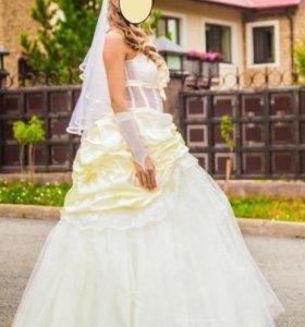Свадебное платье, балетки, перчатки без палец.