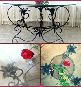 Стол кованный с лилиями