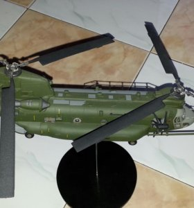 Модель вертолета чинук