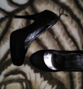 Туфли по 200 за пару