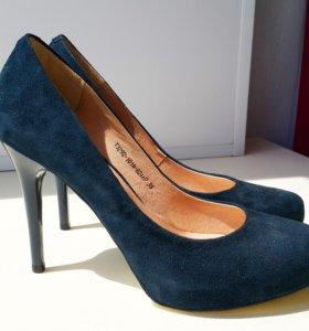Новые замшевые туфли Respect