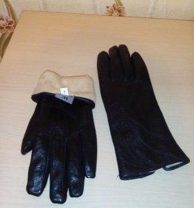 Перчатки кожаные,новые,на подкладке
