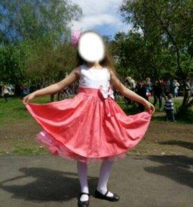 красивое платье на девочку 5-6лет