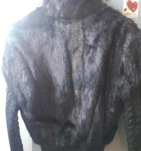 Шубка норковая с кожаными рукавами,теплая